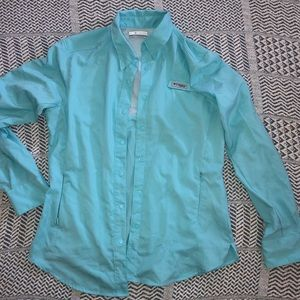 Columbia PFG teal shirt